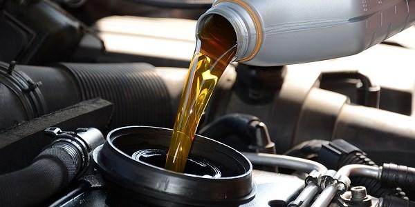 Sử dụng dầu bôi trơn (dầu nhớt) trong động cơ ô tô